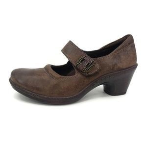 New Montana Mary Jane Pumps  Coffee Brown Leather